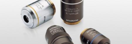 コンペンゼーションフリー方式で設計された対物レンズ